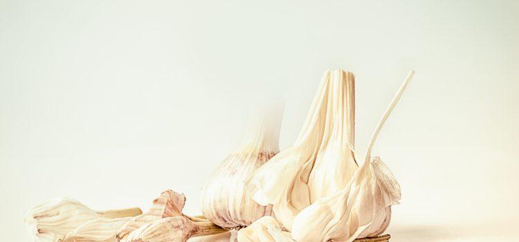Para curar el herpes labial el mejor remedio casero es el ajo